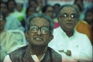 Ashok Mitra,  the first Left Front finance minister of West Bengal, died in Kolkata at the age of 90.