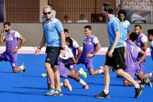 Sjoerd Marijne (left, in blue T-short) has been removed as Indian men's hockey team coach after a poor show at 2018 Commonwealth Games (CWG) in Gold Coast.