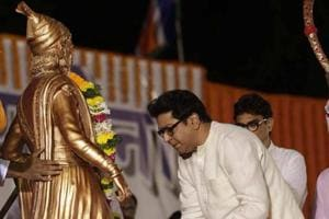 MNS chief  Raj Thackeray pays floral tribute to Shivaji Maharaj before addressing the gathering at a rally in Vasai on Tuesday.