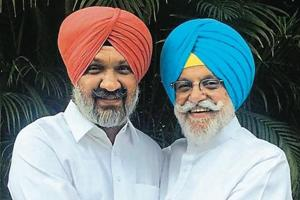 Hardev Singh Ladi Sherowalia (L) with Rana Gurjit Singh, who had to resign from state cabinet following a controversy related to sand mining contracts.
