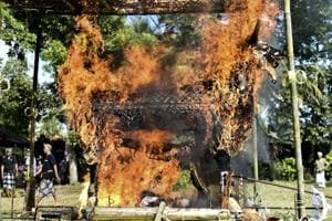 Photos: Balinese Hindu cremations for peace in the afterlife
