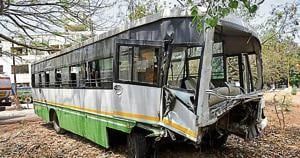 Eleven students from institute in South Mumbai hurt after road accident