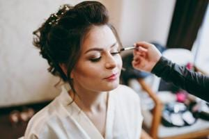 Perfect bridal makeup is a big deal and women in Delhi-NCR find themselves competing fiercely to get the best artists.