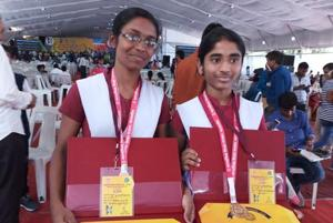 Best friends Himanshi Pawar (left) and Sakshi Mahajan both secured fourth rank with 98.4% marks in the MPClass 10 Board exam.