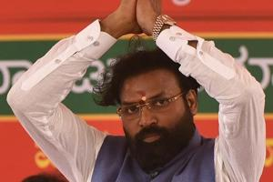 BJP leader Sriramulu during a public meeting at Molakalmuru in Chitradurga on Saturday.