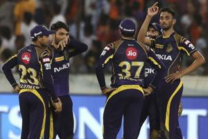 Kolkata Knight Riders bowler Prasidh Krishna (R) bowled an excellent spell in the death overs to restrict Sunrisers Hyderabad to a par score.
