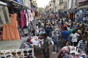 Hawkers who are mobile and leave for the day after doing business will not be targeted as part of the Capital's anti-encroachment drive, the government told the Supreme Court.