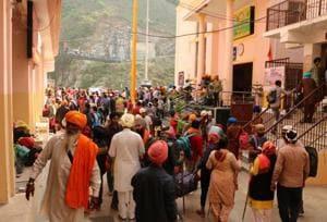 The portals of the Sikh shrine Hemkund Sahib in Uttarakhand will be thrown open for pilgrims on Friday.