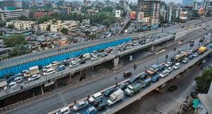 The northbound stretch, towards Thane, of the Amar Mahal flyover at Chembur was opened for motorists on Monday.