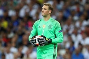 Manuel Neuer was a key cog of the Germany side that won the FIFA World Cup in 2014, and the fact that Die Mannschaft are sweating over his fitness shows the importance of a good goalkeeper in the tournament.