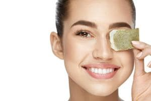Matcha is loaded with 60% catechin, which is a powerful antioxidant and can be a great anti-pollution mask.