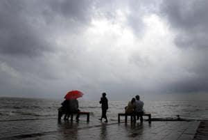 A rainy day at Bandra bandstand.
