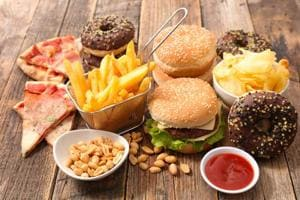 Weight loss tip: According to a study, junk food craving leads to a double increase in the likelihood of nighttime snacking. It results in obesity and diabetes.