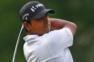 Anirban Lahiri overcame bad putting to compile a three-under 69 that allowed him to make the weekend cut comfortably at the Memorial Tournament in Dublin, USA.