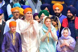 Canadian Prime Minister Justin Trudeau with his wife Sophie Gregoire Trudeau, their son Xavier and daughter Ella-Grace paying obeisance at Golden Temple in Amritsar.
