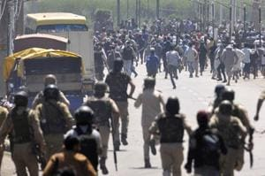 Potesters clash with security forces in downtown Srinagar on June 02, 2018.