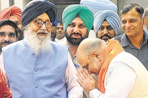 BJP state president Amit Shah with Parkash Singh Badal in Chandigarh, June 7