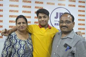 Utkarsh Gupta, who secured All India Rank 431 in the JEE Advanced 2018 examination, with his parents.