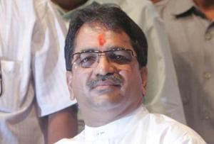 According to MNS functionaries, Shishir Shinde and MNS chief Raj Thackeray had a fall out in 2017.