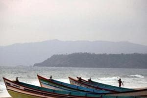 Goa offers tourists splendid sites at its several beaches.