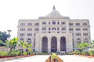 A picture of the Chief Minister's Secretariat building in Lucknow.