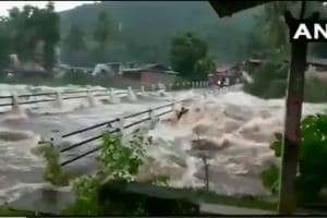 Heavy rains triggered a landslide at Thamarassery in Kerala's Kozhikode district.