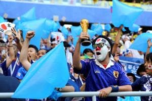 Japan and Senegal fans have won the hearts of the Russian public and the football world for cleaning up the stadium following their teams' respective wins.