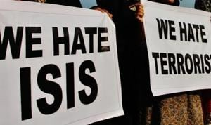 College students raise slogans against the Islamic State (ISIS) in Mumbai.