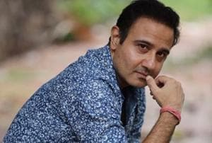 Actor Vivek Mushran made his Bollywood debut with the 1991 film Saudagar, directed by Subhash Ghai.