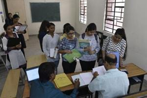 DU admissions 2018: Delhi university aspirants stand in queues to get admission at Daulat Ram College.