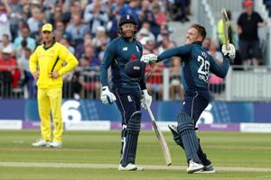 Jason Roy's century helped England chase down 310 against Australia in Durham to win by six wickets and take a 4-0 lead in the series.