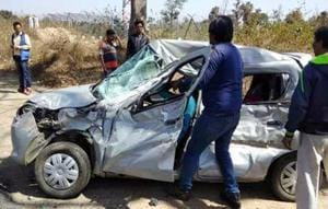 Car and auto clash claims  live of five in Telangana.