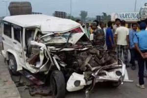 The ill-fated SUV that hit a dumper in Malda's Baishnabnagar on Tuesday.