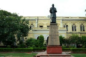 Plans to turn the Town Hall into a heritage hotel have been proposed by NorthDelhi Municipal Corporation.