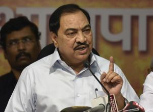 Former revenue minister Eknath Khadse and his family get a clean chit from the ACB.