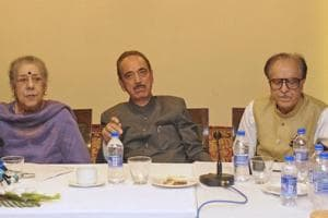 Ghulam Nabi Azad (middle) with other Congress leaders during a party meeting in Srinagar, Jammu and Kashmir.
