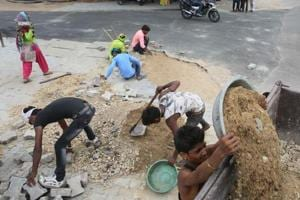 Potholes being mended in view of PM Narendra Modi