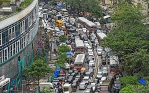 With the Gokhale Bridge shut at Andheri following its partial collapse, Sahar Road became a bottleneck for traffic moving between east and west parts of the suburb.