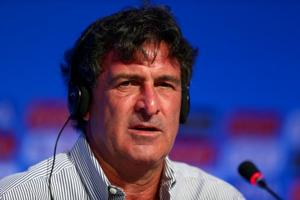 Mario Kempes, Argentina's star striker during their 1978 World Cup triumph, wants to coach the national team.