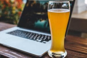 Diabetes and beer: A can of beer has approximately 150 calories. But because of its low alcohol content, people often end up drinking several glasses of beer and thus end up consuming almost 600 calories.