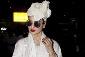 In her latest airport look, Bollywood star Rekha looks like the original style icon she is.
