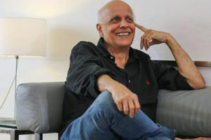 Filmmaker Mahesh Bhatt says he doesn't belong to the category of a parent who would advice their children on relationship matters.
