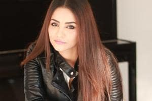 Tia Bajpai plays the lead role in Vikram Bhatt's web series Zakhmi.