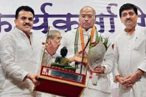(From left) Congress leaders Sanjay Nirupam,  Mallikarjun Kharge and Ashok Chavan in Sion on Monday.