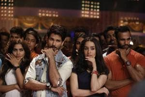 Shahid Kapoor, Shraddha Kapoor wrap Batti Gul Meter Chalu with Mika Singh song- See pic