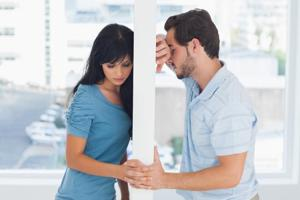During the break-up phase, you are likely to feel anxious, go through crying spells, have problems sleeping, eat unhealthy foods, feel social withdrawal, give up on enjoyable activities and have low self-esteem.