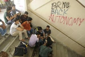 Photos: A week of student protests in Kolkata against fee hikes, infrastructure