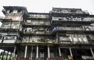 """The Bombay high court on Wednesday said Esplanade Mansion building in Fort is a """"major disaster"""" waiting to happen."""