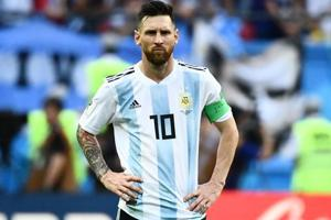 Carlos Tevez wants Lionel Messi to continue playing for Argentina despite the World Cup poor show.