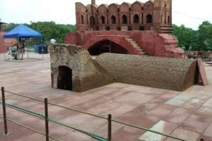 During the cleaning of rampart at Lahore Darwaza of Delhi's Red Fort, a spot from where the Prime Minister addresses the nation every Independence Day, the Archaeological Survey of India (ASI) has stumbled upon a hidden underground chamber.